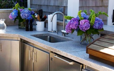 outdoor-appliance-guide-sinks